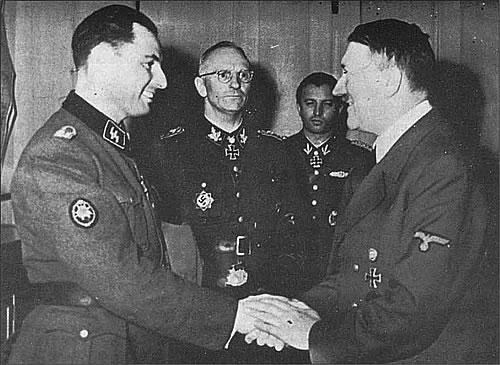Leon_Degrelle_Hitler.jpg