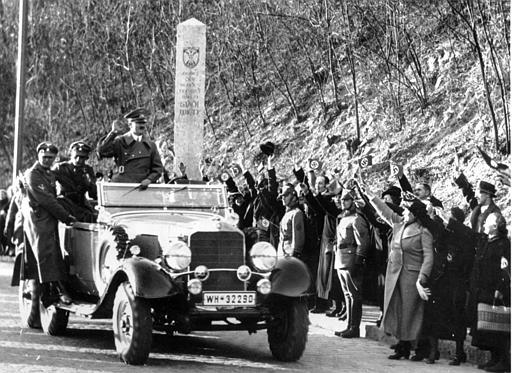 Adolf_Hitler_036.jpg