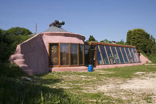 brighton-earthship.jpg