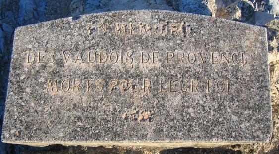 Merindol-Memorial_Sign.jpg