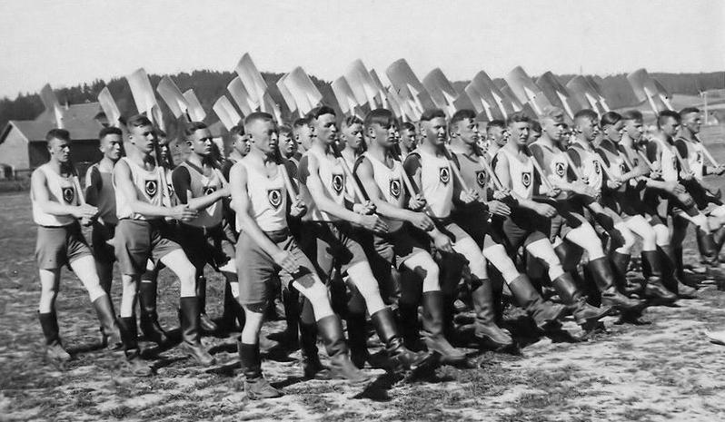 Reichsarbeitsdienst_parade.png