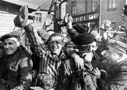 Pologne-Auschwitz-Liberation.jpg