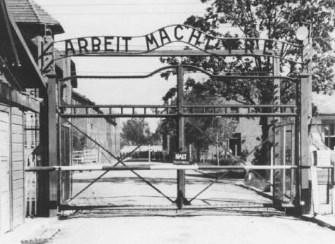 Pologne-Auschwitz-Portail.jpg