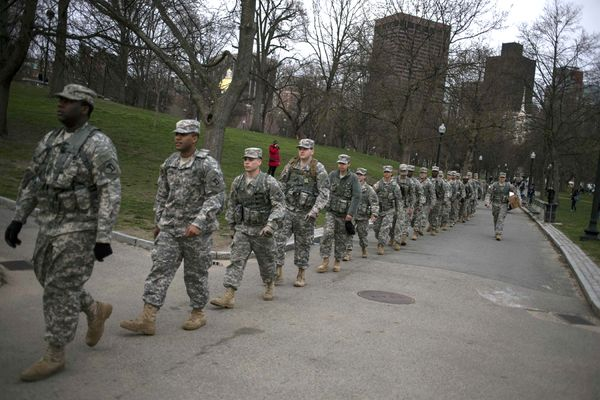 boston-bombing-us-army-soldiers_66486_600x450.jpg