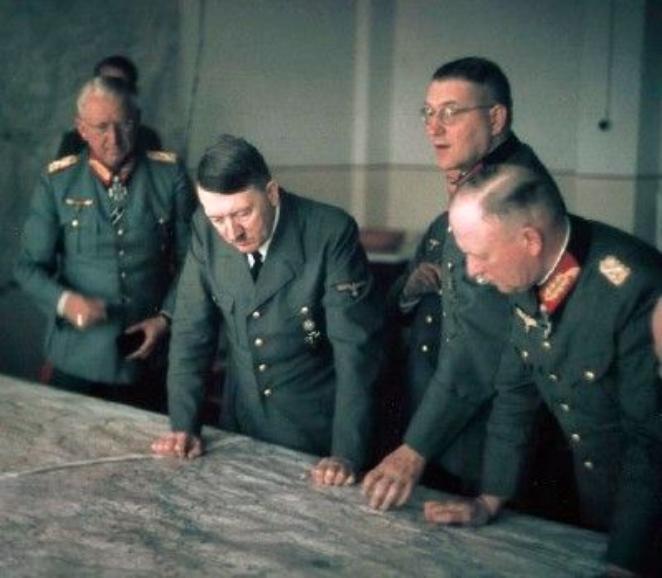 tonton_Hitler.jpg
