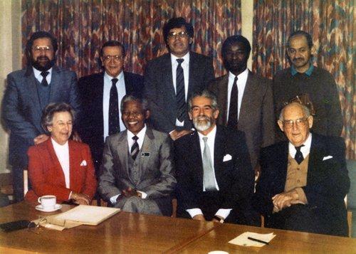 Resultado de imagen de Richard Goldstone, Arthur Chaskalson si Albert Sachs