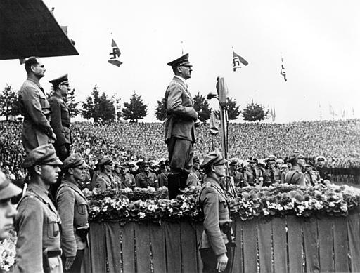 http://www.the-savoisien.com/blog/public/img4/Adolf_Hitler_PhotoGallery_Picture_058.jpg