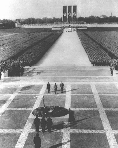 http://www.the-savoisien.com/blog/public/img4/Adolf_Hitler_speeches.jpg