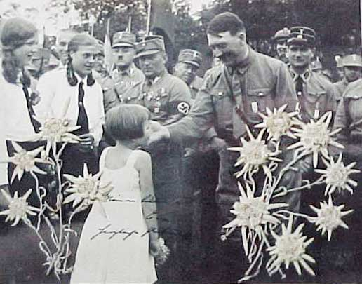 http://www.the-savoisien.com/blog/public/img5/Hitler_and_an_Eva.jpg