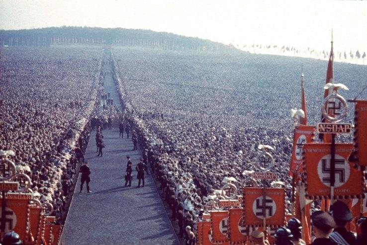 http://www.the-savoisien.com/blog/public/img9/Hitler_story_never_told.jpg