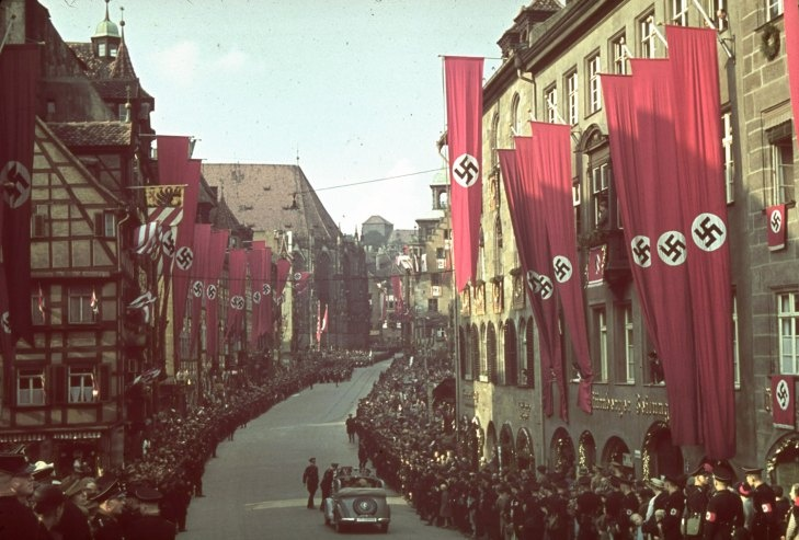 http://www.the-savoisien.com/blog/public/img9/greatest_Hitler_story_never_told.jpg